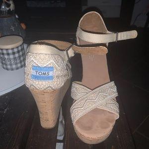 Tom wedged heels